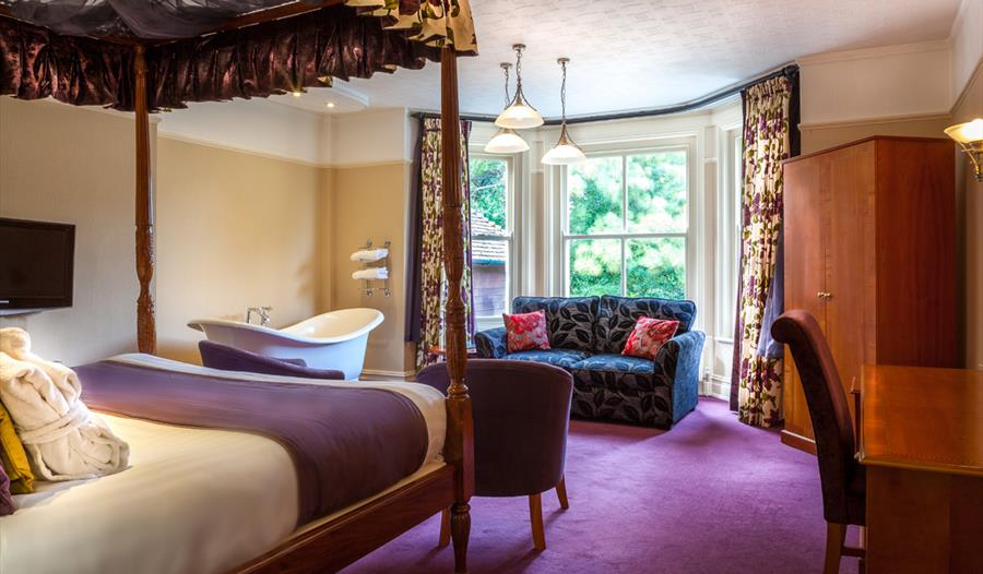 4 poster bed suite at passford house hotel in the new forest