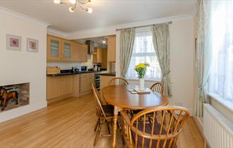 dining room at cosy cottage holiday cottage and self catering in the new forest