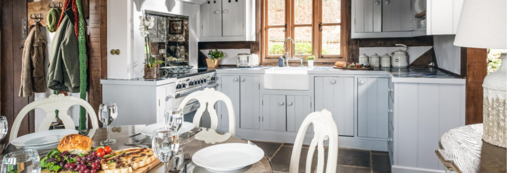 self catering kitchen at undercastle cottage in the new forest