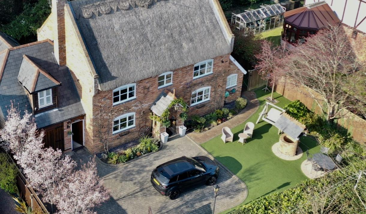 aerial birds eye view photo of woodside cottage holiday cottage and self catering in the new forest