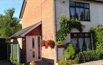 Dog friendly self catering holiday cottage free wifi