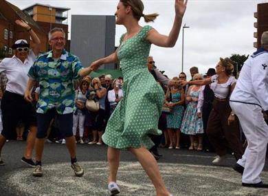 LINDY HOP SHORT COURSE