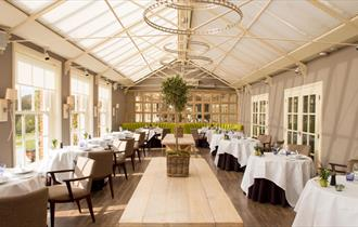 restaurant / dining room at chewton glen hotel & spa in the new forest